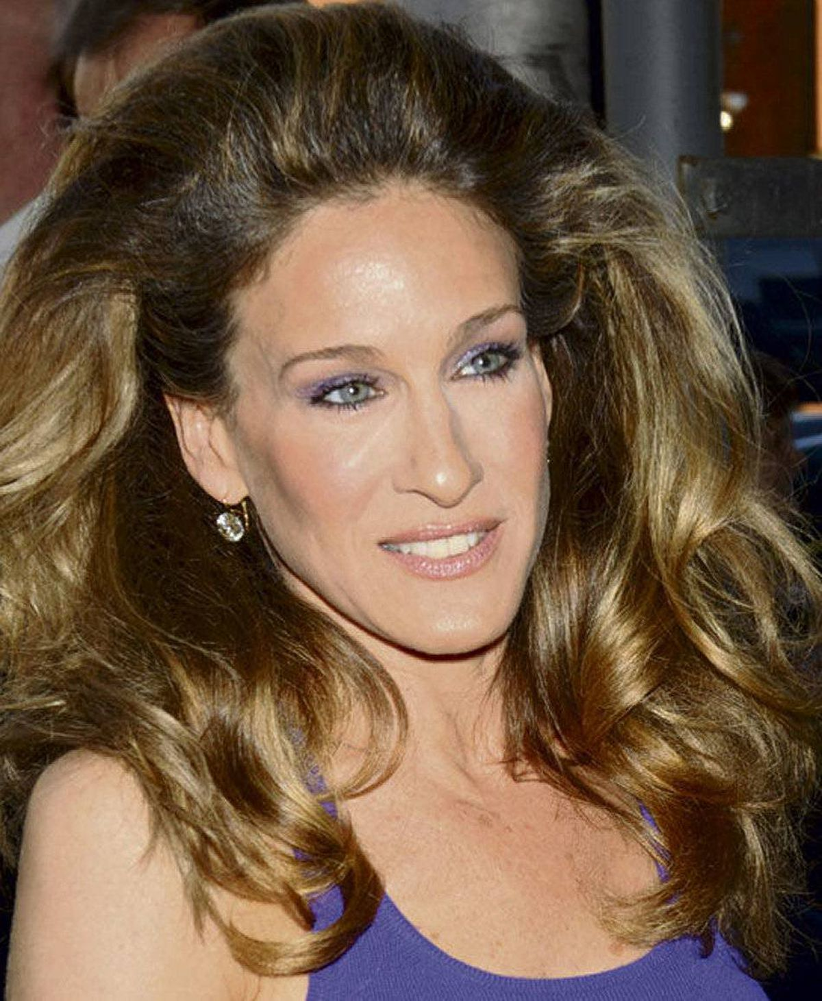 Inveterate trendsetter Sarah Jessica Parker stepped out recently sporting a vaguely eighties 'do with va-va-voom volume. The way she and a host of living dolls have been working mammoth manes of late calls to mind another big-haired working girl. Sarah Jessica Parker: Larger than life