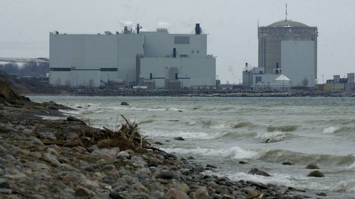Ontario Power Generation's Darlington Nuclear Generating Station in the municipality of Clarington, Ontario. Here is a view across the shore of Lake Ontario of the plant from April 2, 2003.