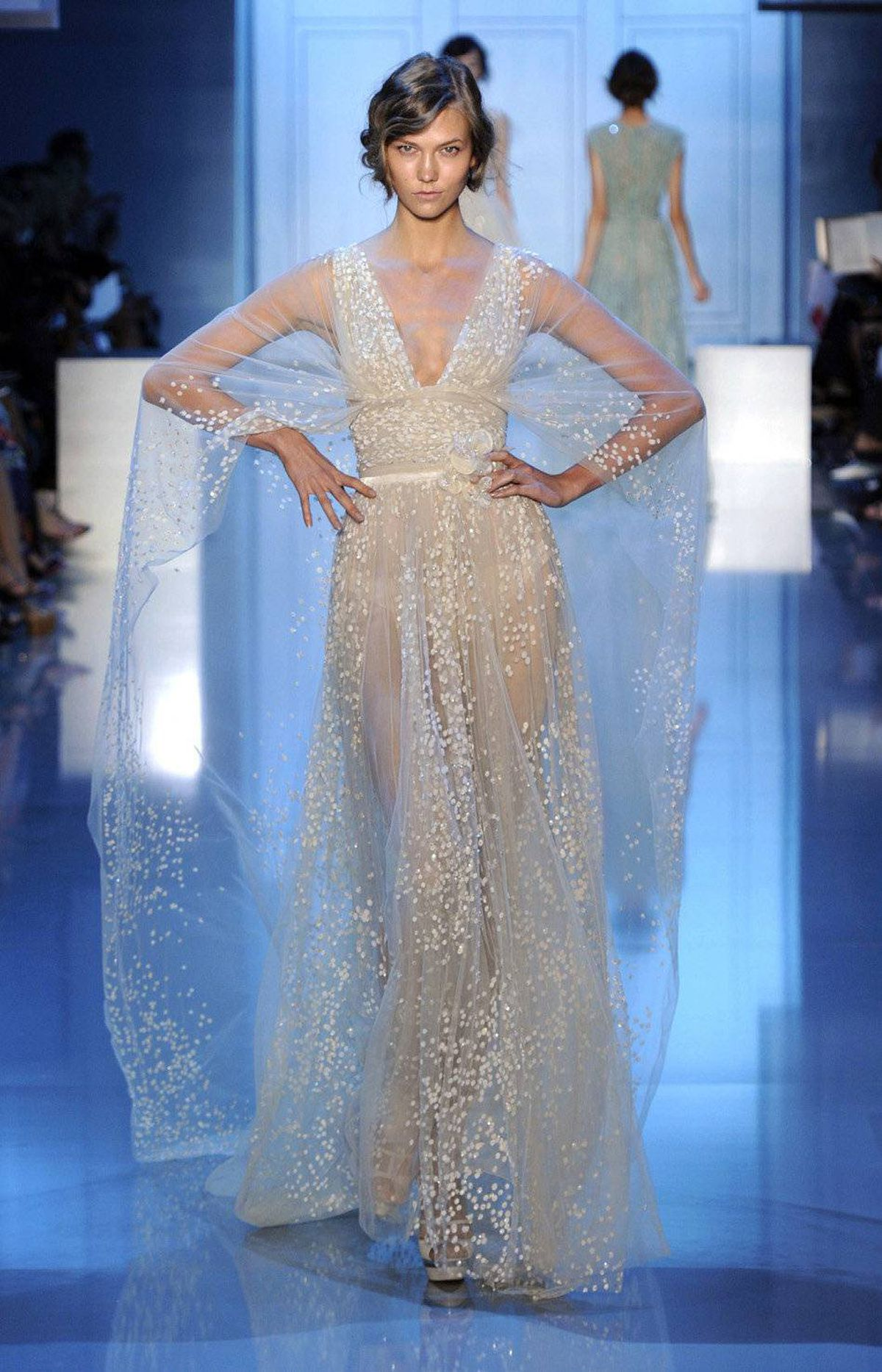 See elie saab 39 s fall winter 2011 collection the globe for Hot couture fashion
