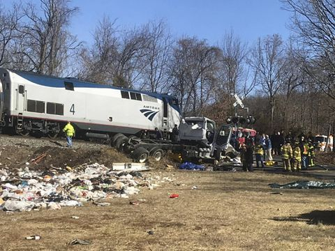 Train carrying Greg Walden, other GOP lawmakers to policy retreat hits truck