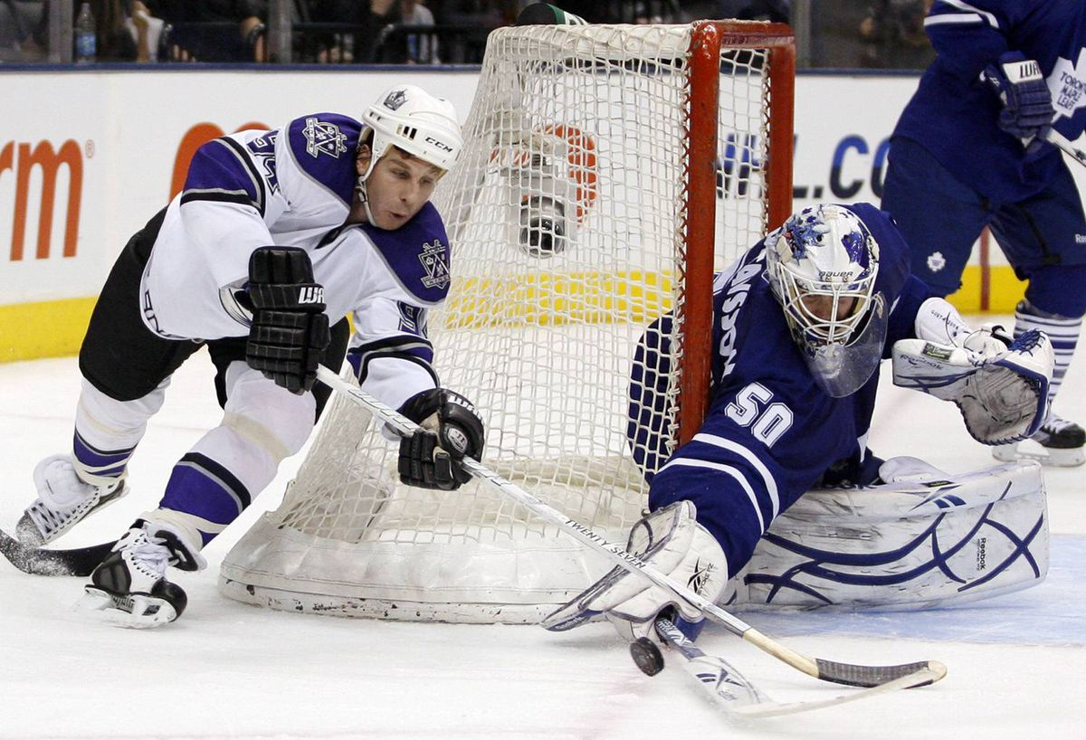 Toronto Maple Leafs goalie Jonas Gustavsson makes a save on a shot by Los Angeles Kings forward Ryan Smyth during the third period of their NHL hockey game in Toronto, January 26, 2010.