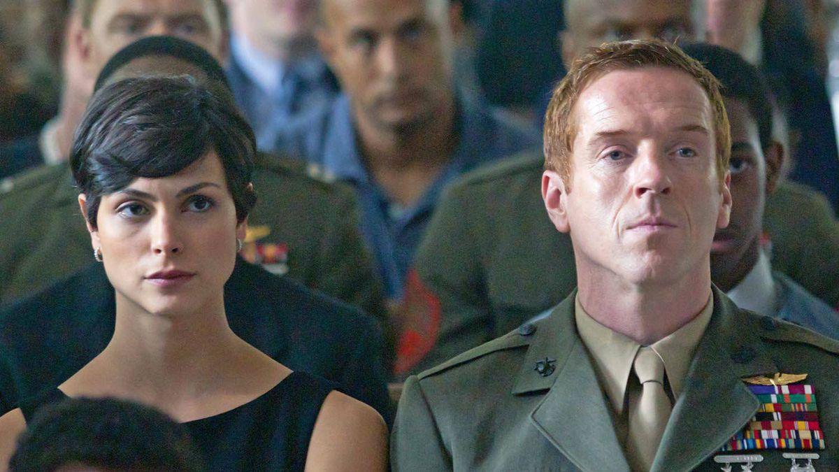 Morena Baccarin and Damien Lewis as Nicholas Brody in Homeland.