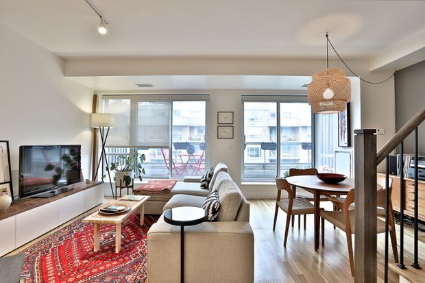 Record sale per square foot for two-storey penthouse in King