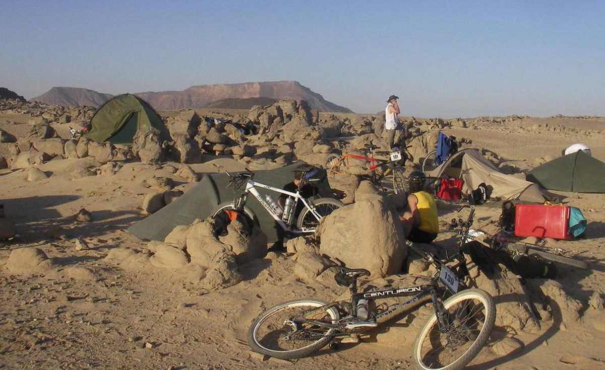 Rieders prepare to spend the night in the desert.