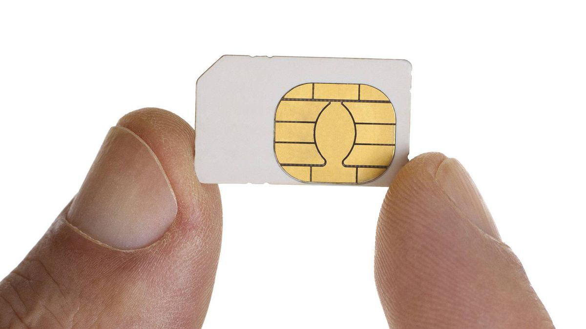"Apple, Nokia and RIM are vying to have rival Subscriber Identity Model-card designs recognized by the European Telecommunications Standards Institute (ETSI) as the industry standard for the ""nano-SIM,"" a much smaller SIM card that is expected to come into use as phones become smaller and slimmer."