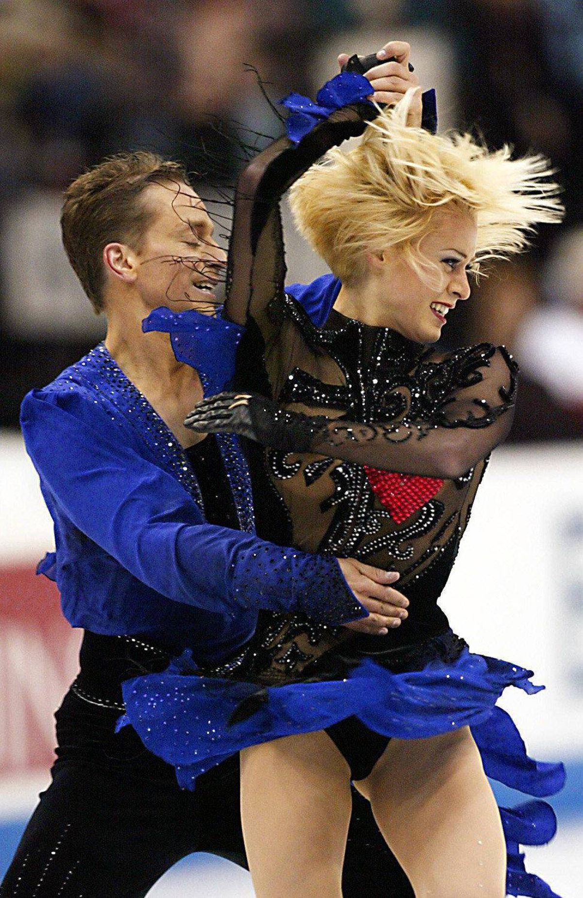Shae-Lynn Bourne and Victor Kraatz of Canada skate in the Ice Dancing Free Dance at the 2003 World Figure Skating Championships 28 March, 2003 in Washington, DC. Bourne and Kraatz won the event.