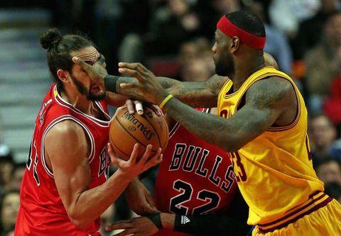 Derrick Rose scores 30 as Bulls beat Cavaliers