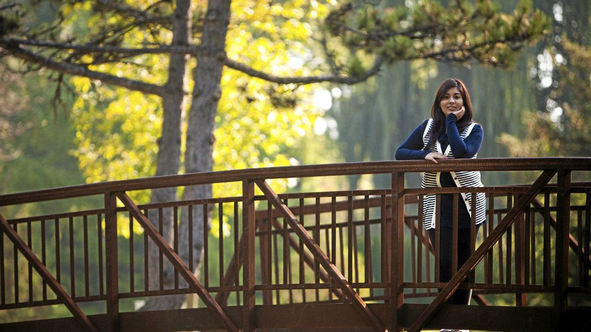 Queen's University economics major Hana Dhanani is the Canadian delegate to the G(irls)20 Summit in Paris, a meeting of 21 young women from around the world held before the G20 leaders meet.