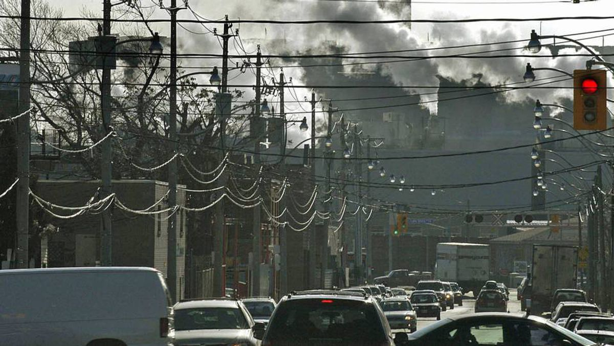 Emissions spew from a power plant near downtown Toronto in 2006.