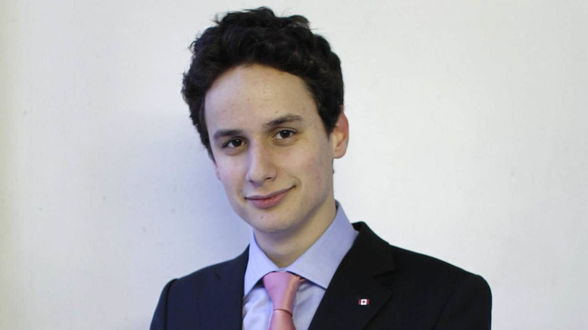 Zach Paikin, the 20-year-old son of TVO host Steve Paikin, is running for the position of national policy adviser with the Liberal Party of Canada.