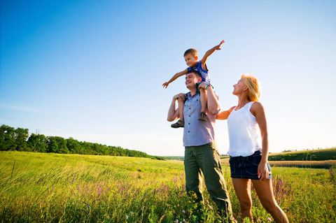 Sorry, mom and dad, but you can't have it all. Someone has to be the 'lead parent'
