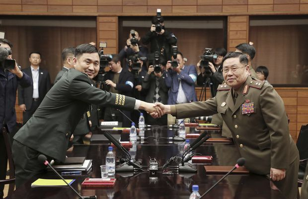 Koreas to destroy 22 front-line guard posts by November