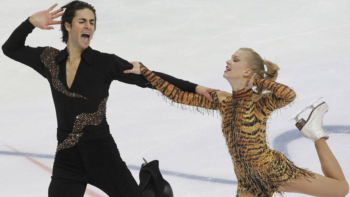 Canada's Kaitlyn Weaver and Andrew Poje perform during the Ice Dance short dance at the ISU Grand Prix of Figure Skating Rostelecom Cup in Moscow