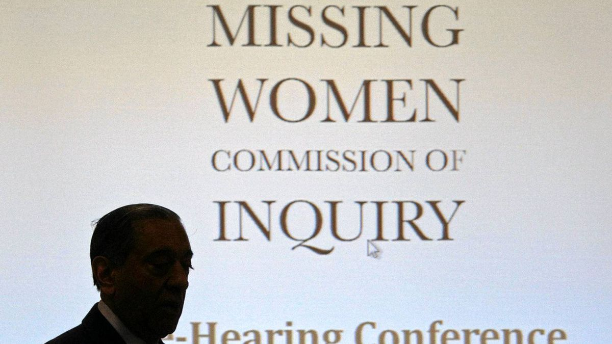 Commissioner Wally Oppal arrives for the Missing Women Commission of Inquiry public forum in Vancouver on Jan. 19, 2011.
