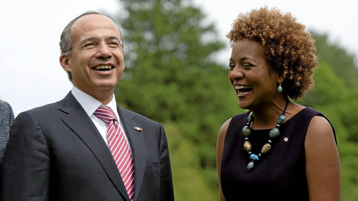 Governor General Michaelle Jean shares a laugh with Mexican President Felipe Calderon at Rideau Hall in Ottawa on May 27, 2010.