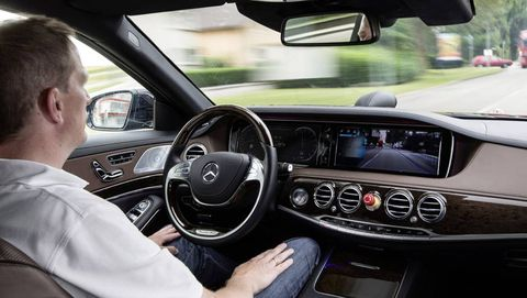Mercedes-Benz urges Canada to use European standards