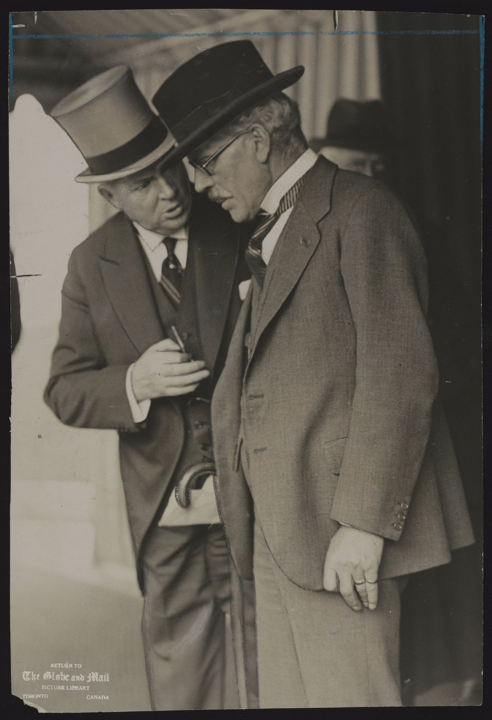 R. B. BENNETT Mr. Ramsay MacDonald in deep conversation with Mr. R.B. Bennett, the Canadian Prime Minister after the adjournment of the private meeting this morning.