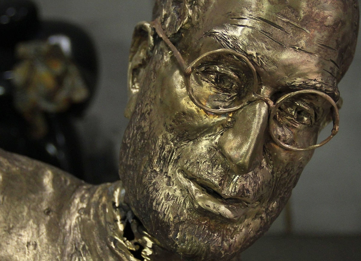 The head of the Steve Jobs statue, complete with trademark glasses, also in bronze. The statue will be delivered to its new owner, Gabor Bojar, on Dec. 20.