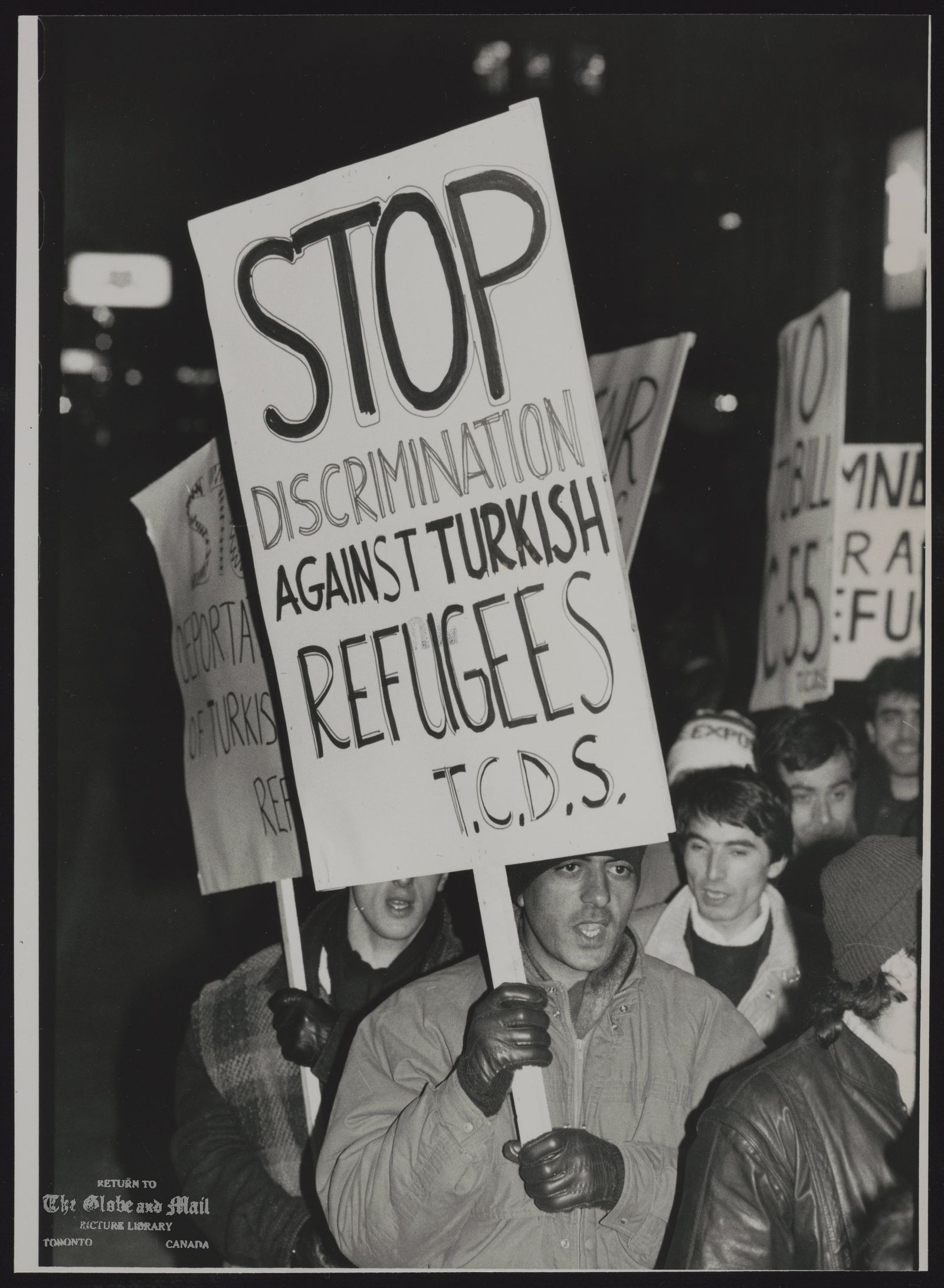 REFUGEES Turkish Protesters outside Immigration offices on University Ave.