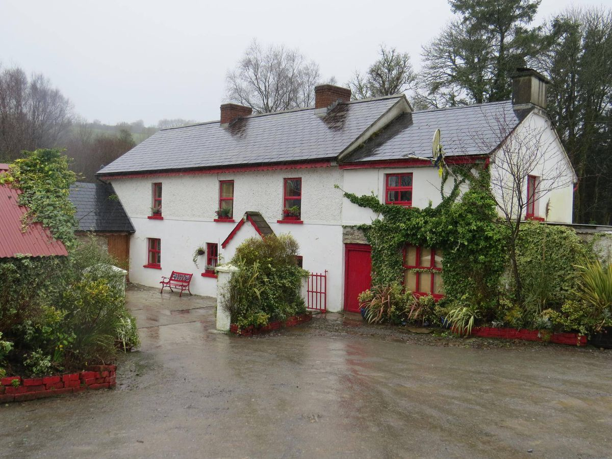 Is This Ireland Farmhouse Really The Best Pub In The