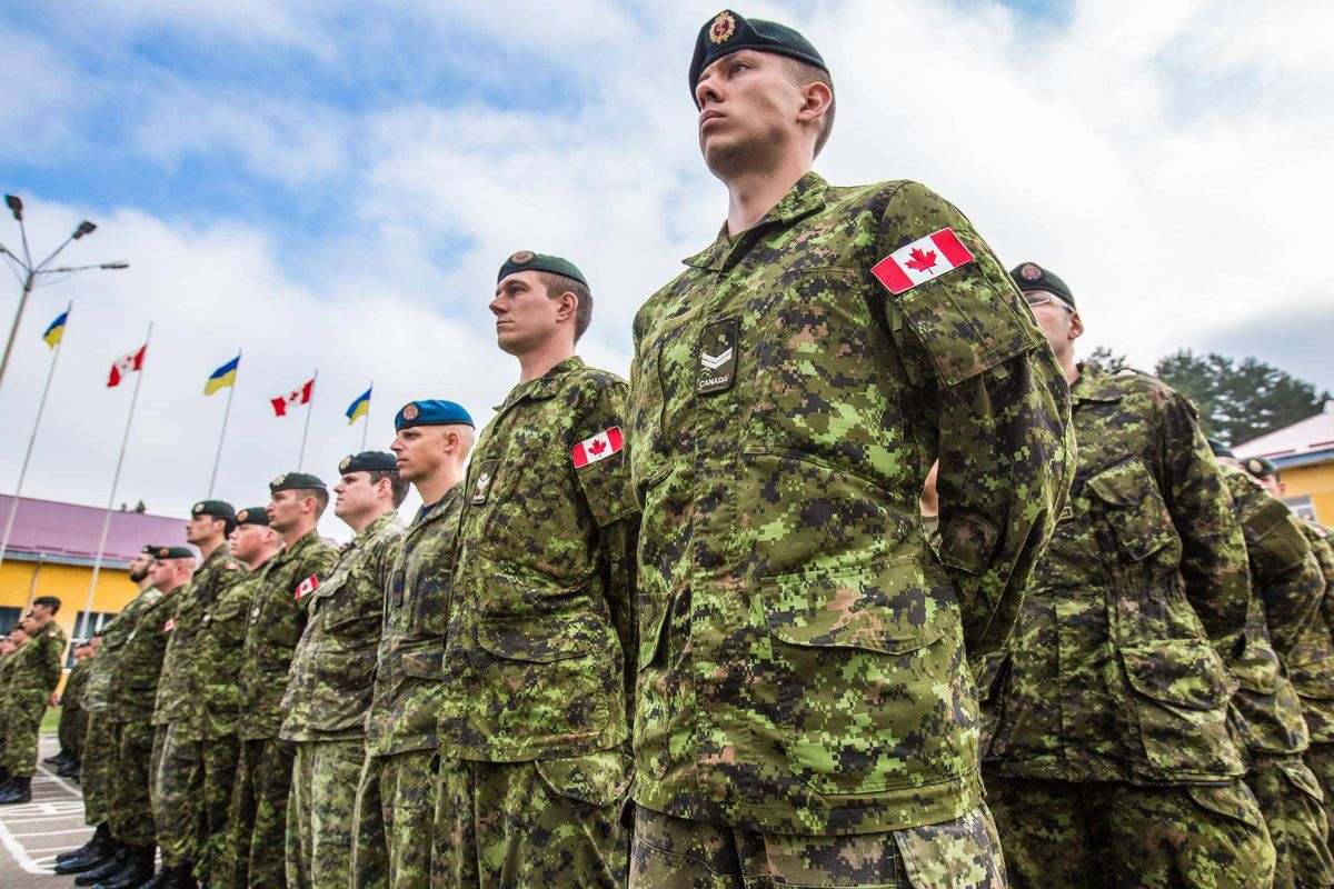 Canadian troops arrive in Ukraine to train soldiers fighting