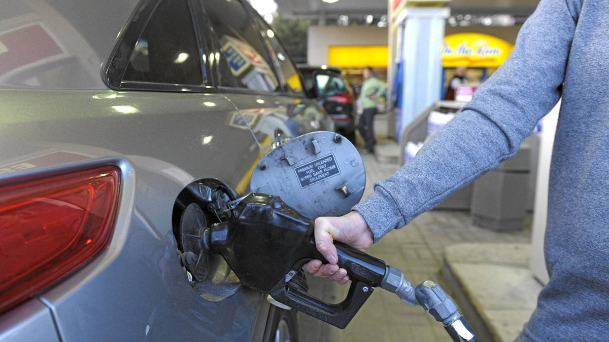 In the United States, where the vehicle fleet largely mirrors that in Canada, average fuel economy across the board increased 15 per cent between 1980 and 2006 – while the average curb weight of vehicles increased 26 per cent and horsepower rose 107 per cent.