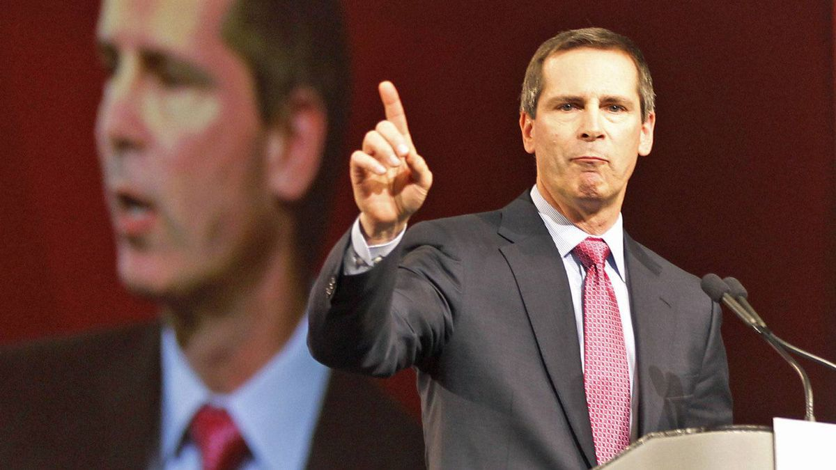 Ontario Premier Dalton McGuinty speaks to the federal Liberal policy convention in Ottawa on Jan. 13, 2012.