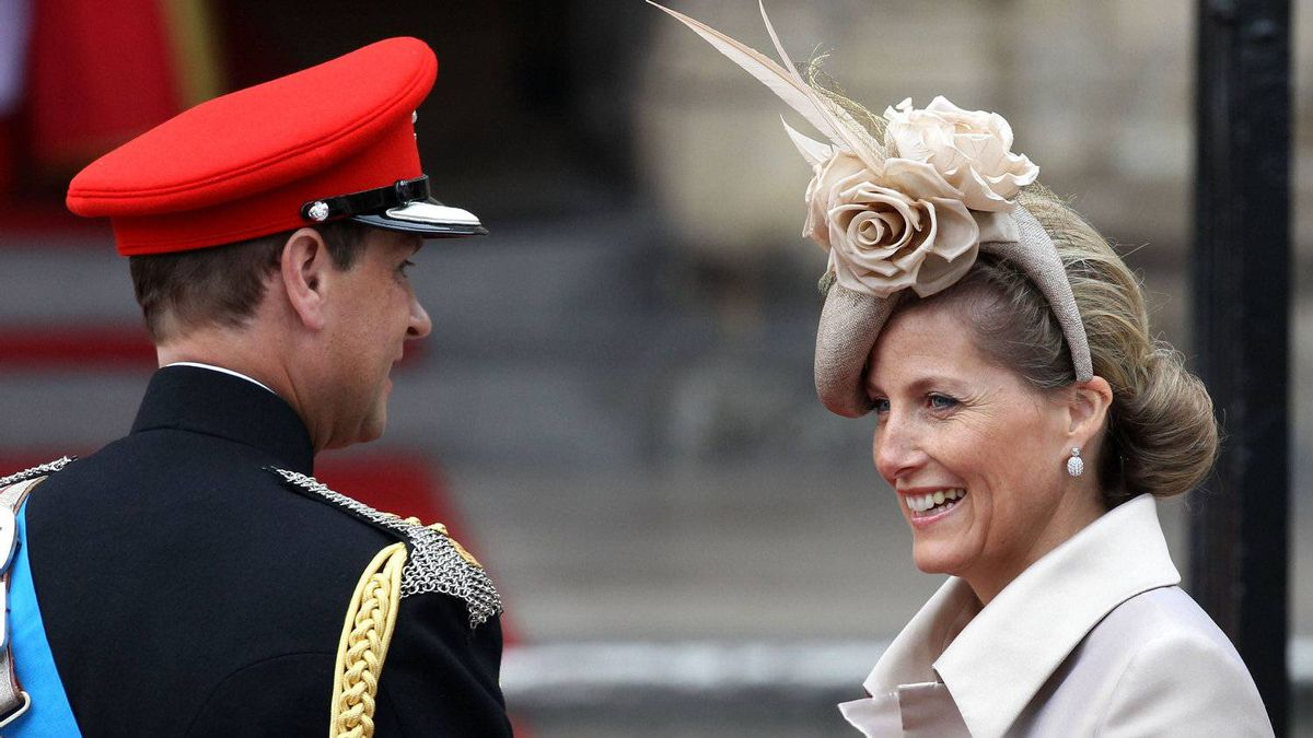 Sophie, Countess of Wessex arrives to attend the Royal Wedding of Prince William to Catherine Middleton at Westminster Abbey on April 29, 2011 in London, England.