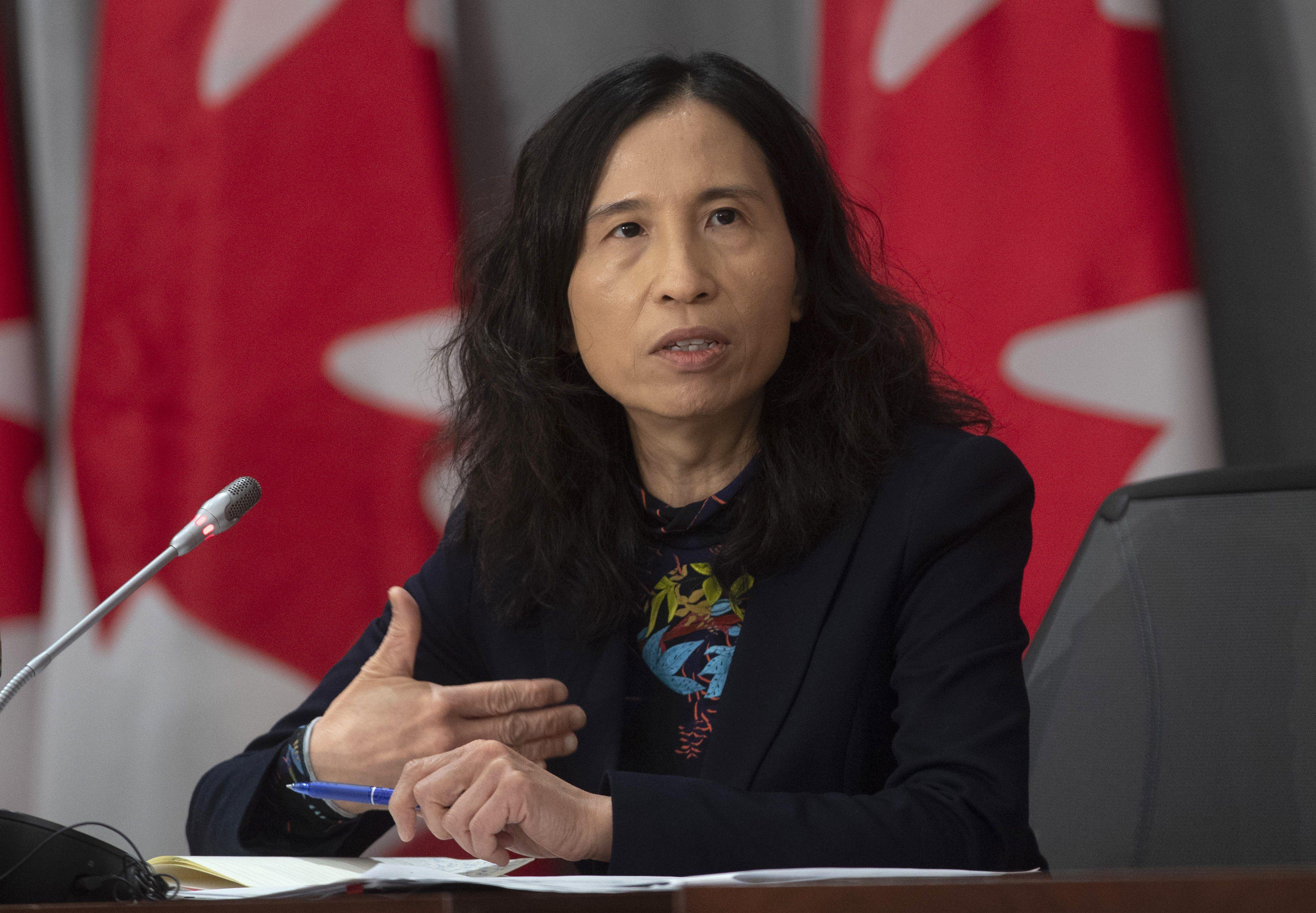 Giám đốc y tế công cộng Theresa Tam và tuyên bố về việc Canada mở cửa biên giới