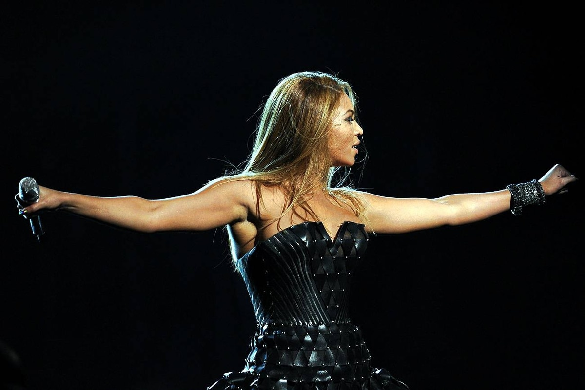 Beyonce Knowles performs at the Grammys.