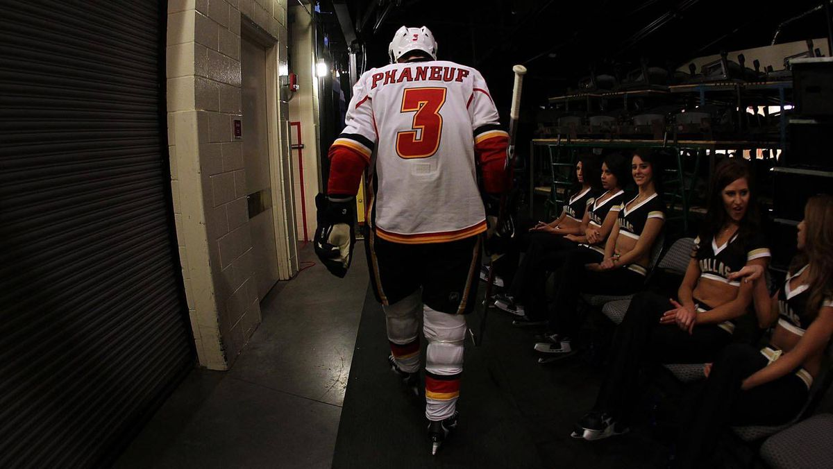 Defenceman Dion Phaneuf makes his way to the ice at the American Airlines Center in Dallas, Texas, on Jan. 27.