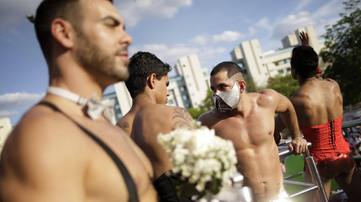 Participants are pictured during the Gay Pride Parade in Brasilia September 18, 2011. About 45,000 people took part in the annual Brasilia Gay Pride Parade making it second largest gay pride march in Brazil.