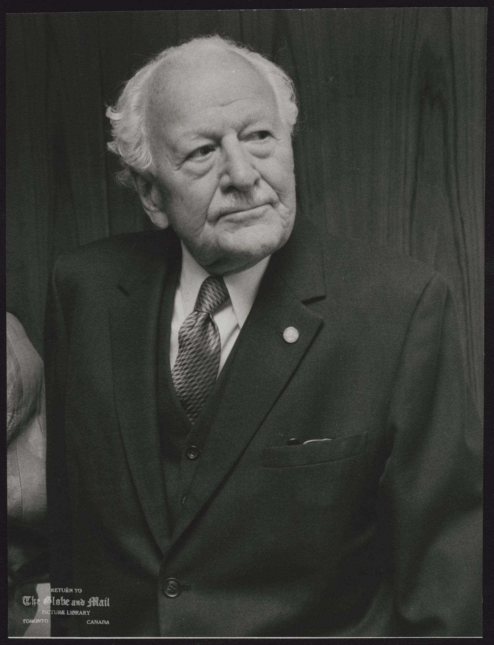 Roland MICHENER Former of Governor General of Canada Received Toronto's highest award, the Civic Award of Merit, March 9/89