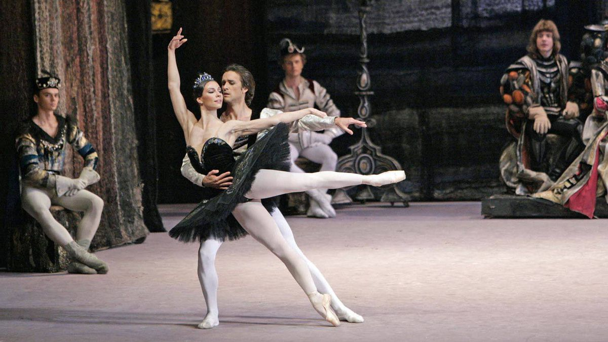 Bolshoi Ballet performs Swan Lake May 15-19, 2012.