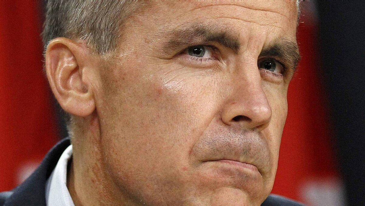 Bank of Canada Governor Mark Carney pauses during a news conference upon the release of the Monetary Policy Report in Ottawa October 26, 2011.