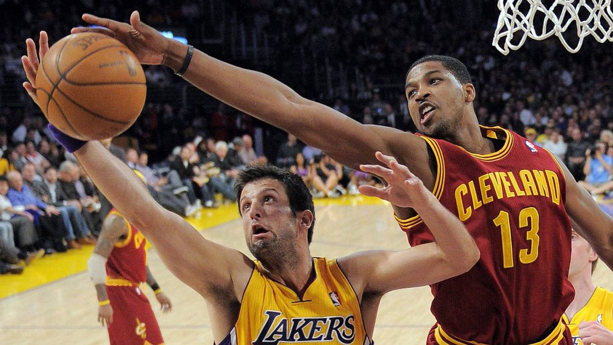 Los Angeles Lakers forward Jason Kapono, left, and Cleveland Cavaliers forward Tristan Thompson go after a rebound during the first half of their NBA basketball game, Friday, Jan. 13, 2012, in Los Angeles.