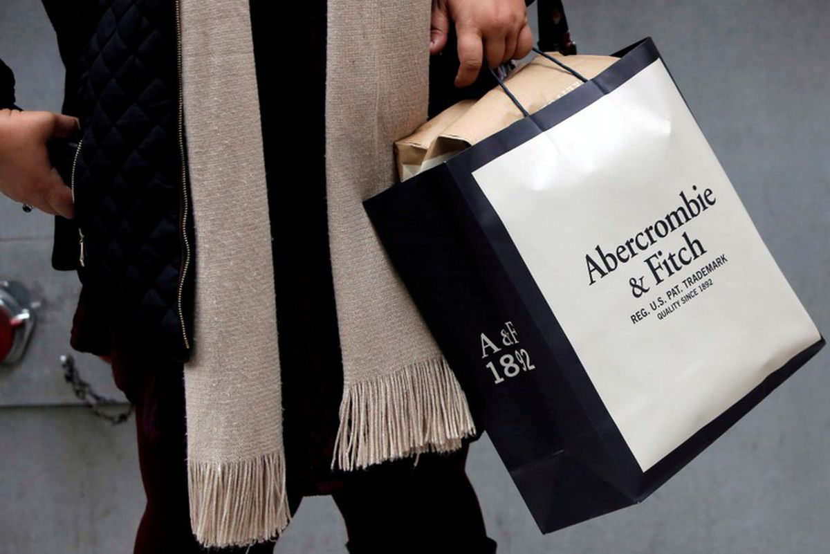 35b783f977b Abercrombie says turnaround not attracting enough shoppers - The Globe and  Mail