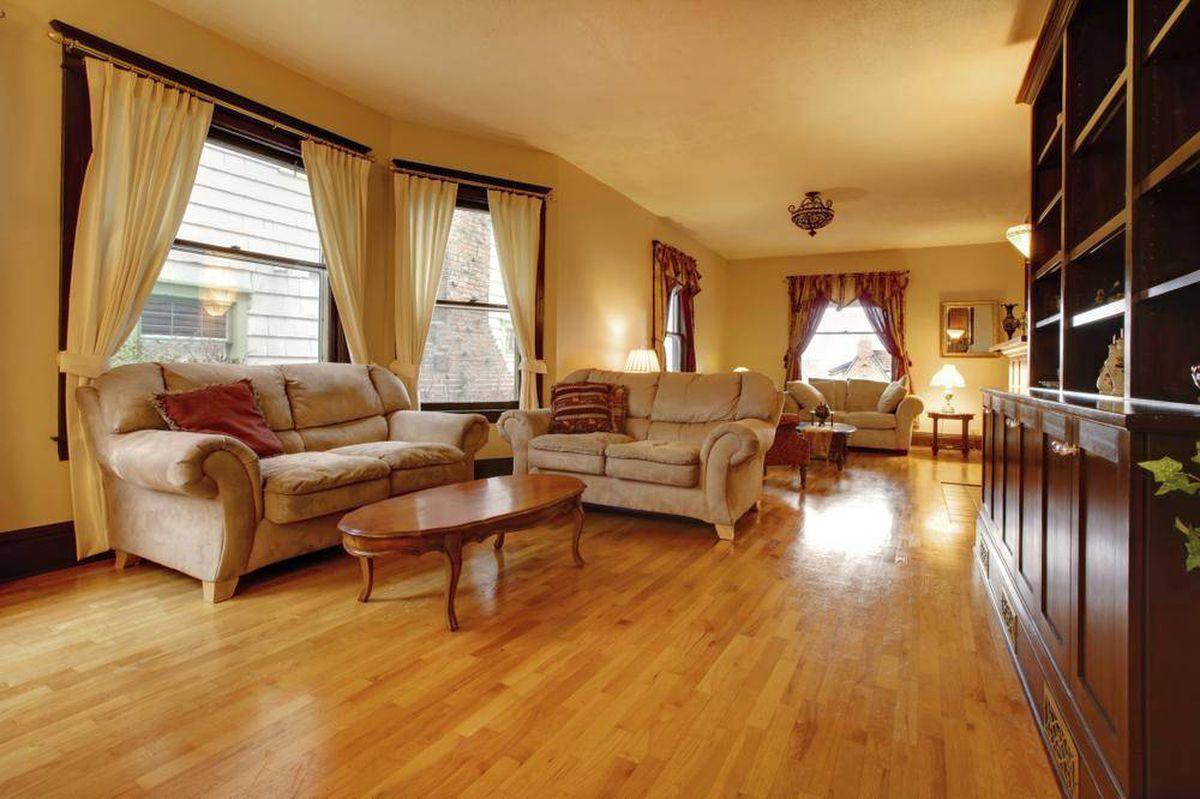 Should Home Floors Trim And Furniture All Match The