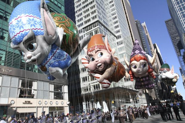 Despite cold, balloons fly at Macy's Thanksgiving Day parade