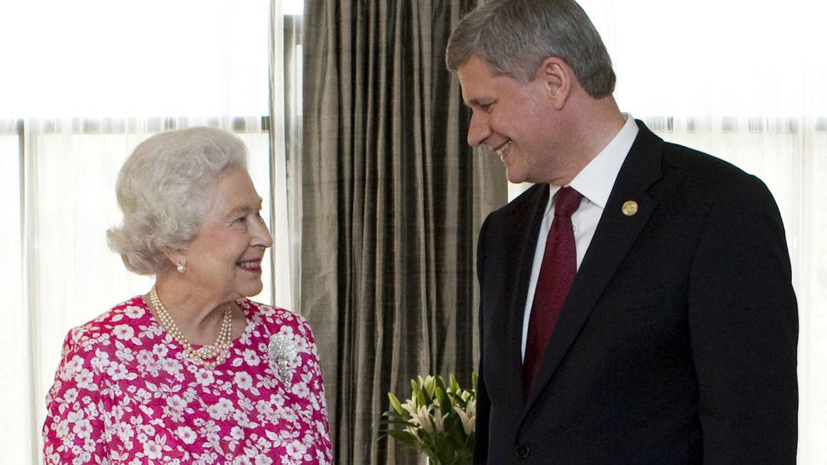Prime Minister Stephen Harper meets with Britain's Queen Elizabeth during the Commonwealth Heads of Government Meeting in Port of Spain, Republic of Trinidad and Tobago, on Nov. 27, 2009.