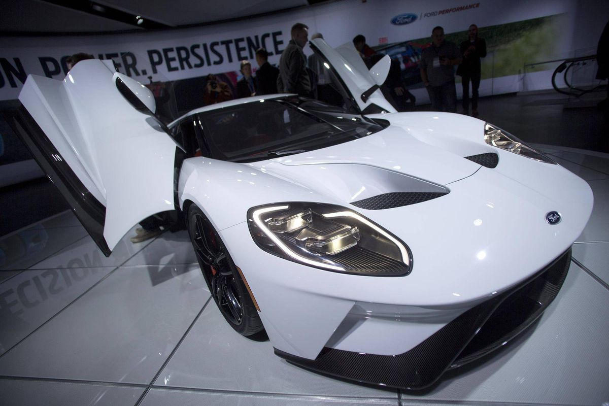 First Ford Gt Supercar Rolls Off The Line At Ontario Factory The