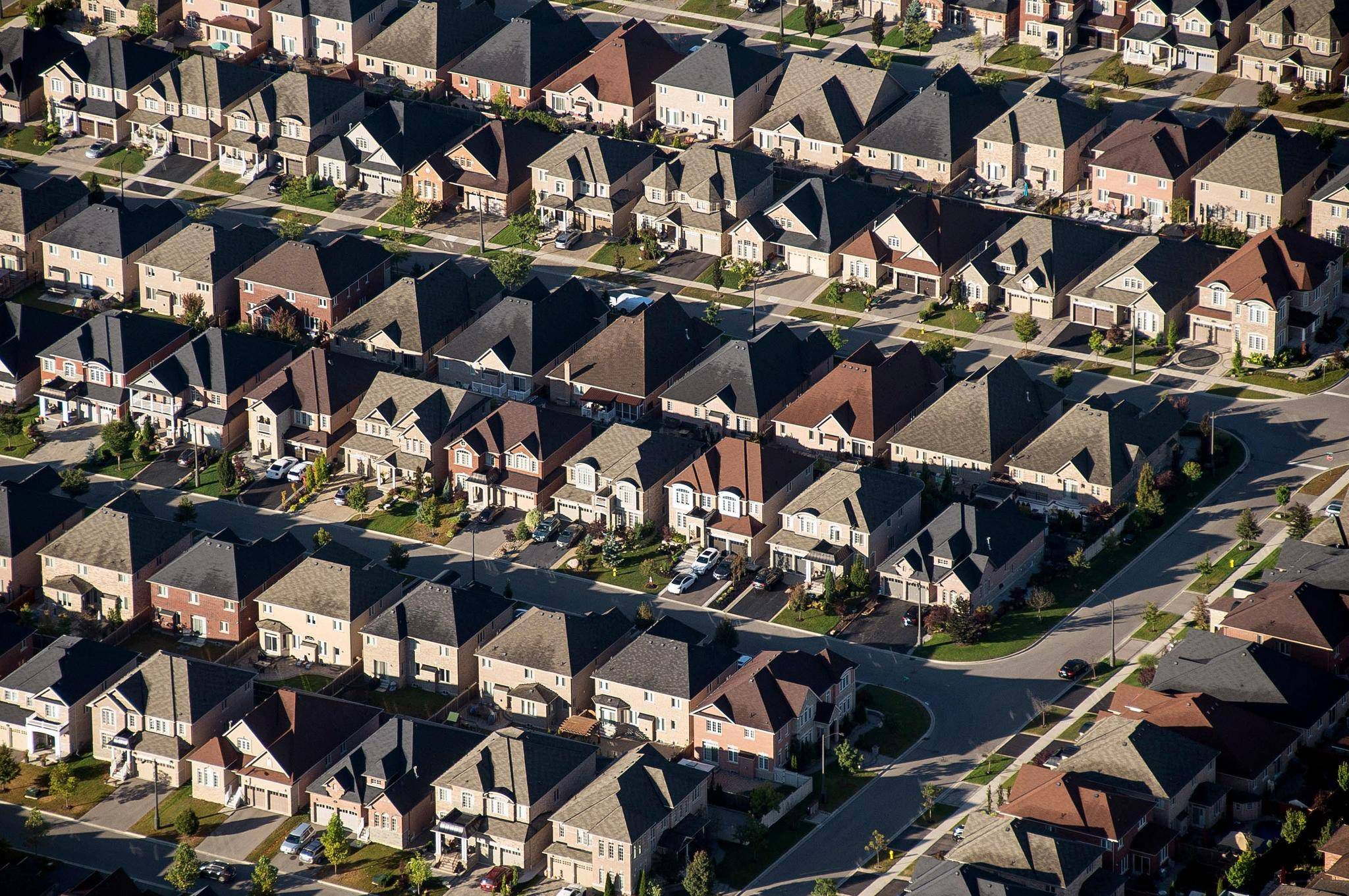 Investors sue Ontario over supervision of risky syndicated mortgages