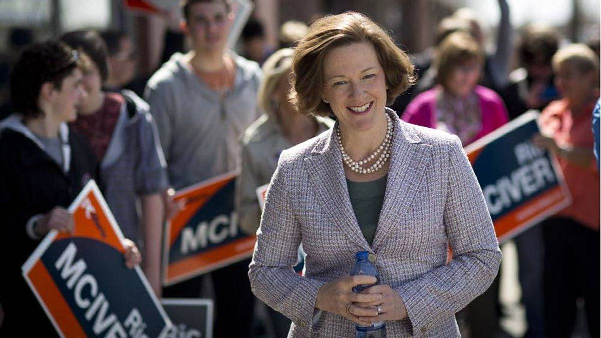 Alberta PC Leader Alison Redford makes a campaign stop in Calgary on Saturday.
