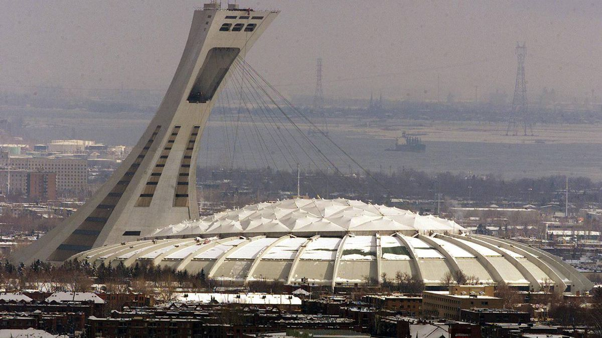 Another concrete slab has fallen at Montreal's Olympic Stadium.(CP FILE PHOTO/Ryan Remiorz)