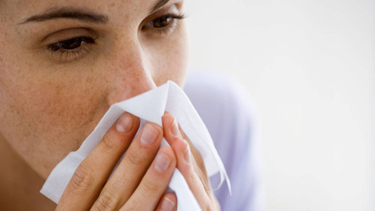 Tips from those irritating people who never get sick in flu and cold season.
