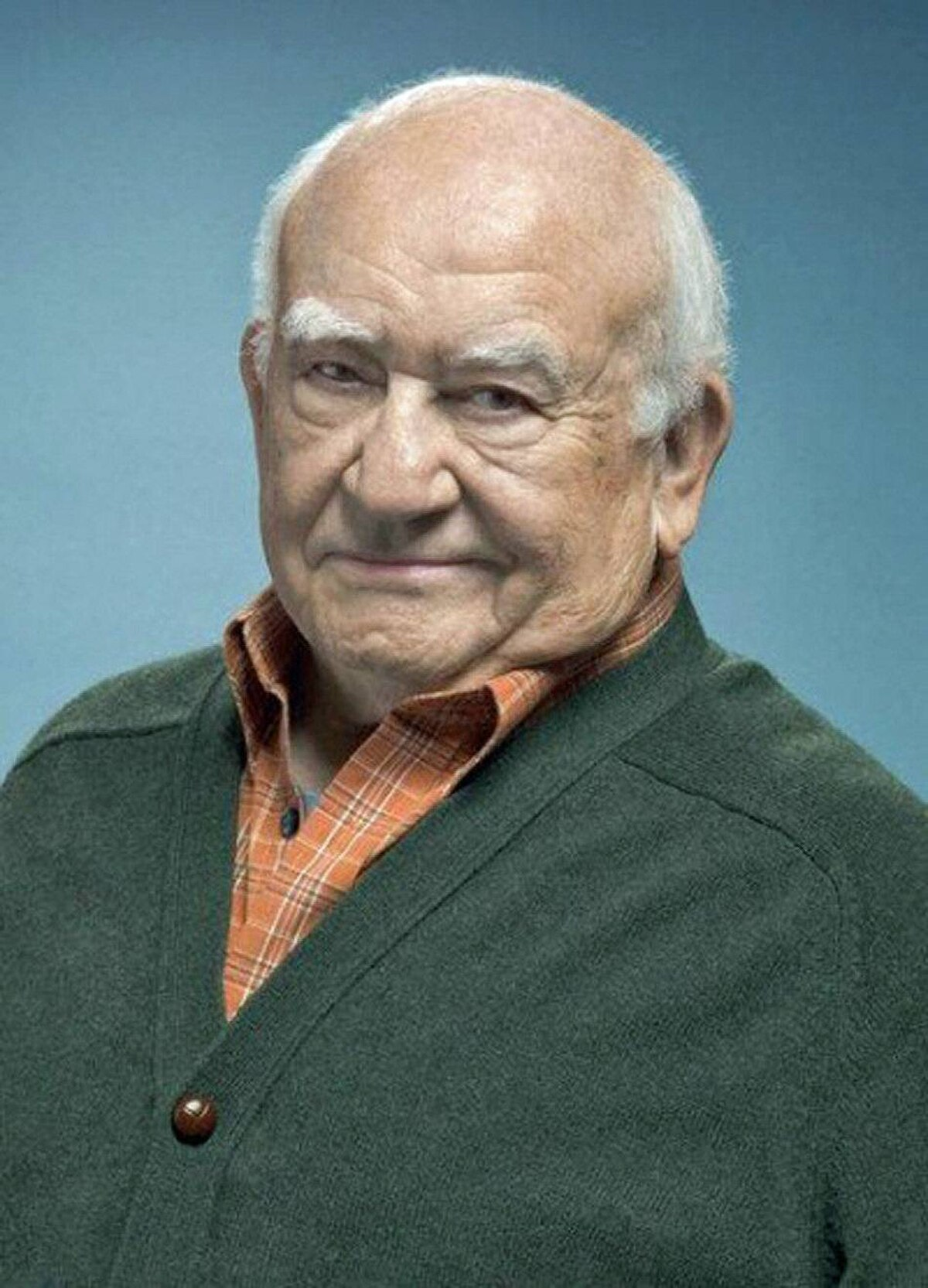 DRAMA Hawaii Five-O CBS, Global, 10 p.m. ET; 7 p.m. PT Still plugging along on Monday nights, this sophomore crime drama pays homage to the seventies series it's based on in tonight's new episode. The show features a guest appearance by Ed Asner reprising his role of August March, a diamond smuggler he played in a 1975 episode of the original series. Still crusty and very cranky, the character reemerges from hiding to help out McGarrett (Alex O'Loughlin) whose sister has been falsely accused of smuggling $20-million in diamonds. Footage from the original episode will be featured in tonight's show, which is pretty cool.