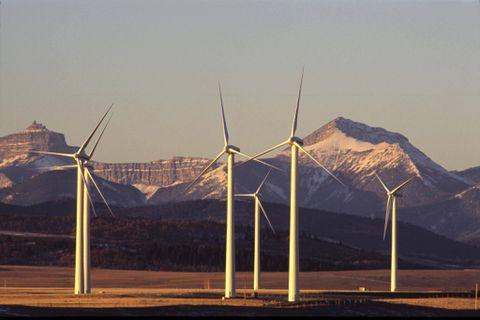 Alberta, Saskatchewan turn focus to renewable energy