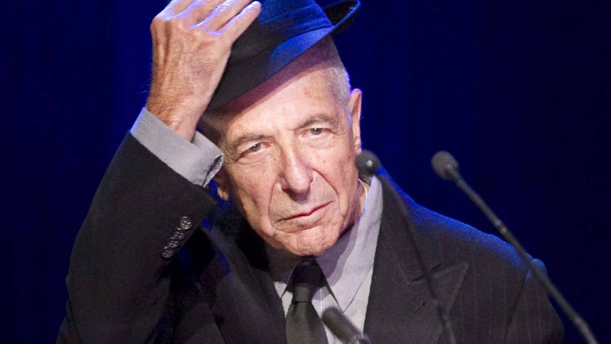 Leonard Cohen was applauded for his donation of the $50,000 cash prize that accompanied the Glenn Gould Prize to the Canada Council for the Arts.
