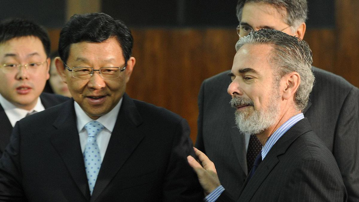 China's Trade Minister Chen Deming, left, and Brazil's Foreign Minister Antonio Patriota talk during a meeting at Itamaraty Palace in Brasilia this week.
