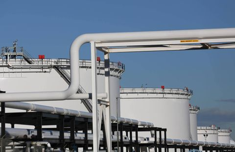 Oil Prices Fell despite the Draw in US Crude Oil Inventories
